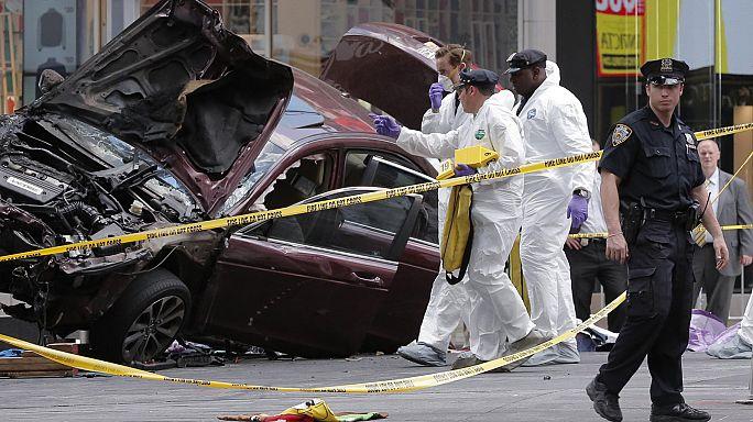 Полиция Нью-Йорка выясняет мотивы водителя