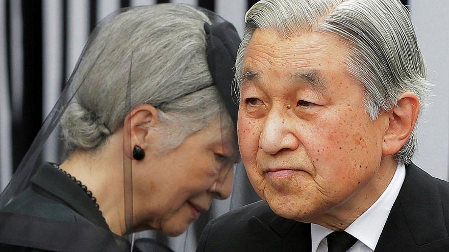 Japán: lemondhat a trónról Akihito császár