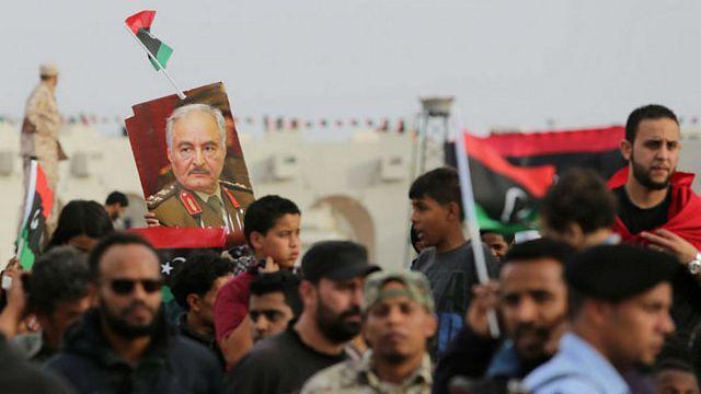 الاقتتال بين فصائل ليبية يخلف عشرات القتلى جنوب البلاد