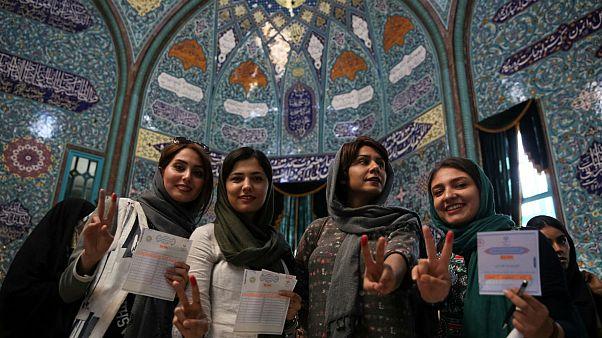 بين المحافظ والإصلاحي، إيران تنتخب رئيسها