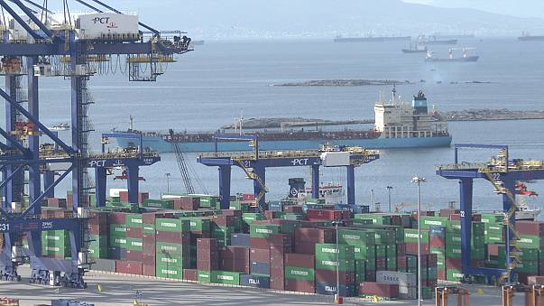EU services trade surplus worsens