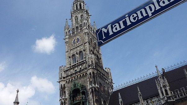 München: Mann verbrennt sich vor Rathaus