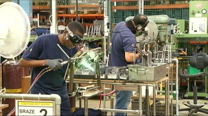 Umfrage: Britische Industrie gibt Gas