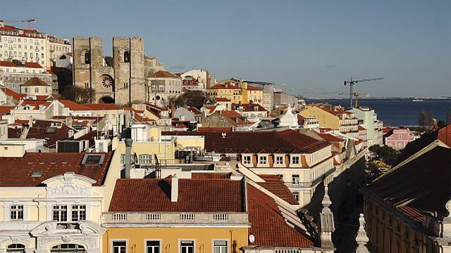Moody's keeps Portuguese rating stable, upbeat on recovery