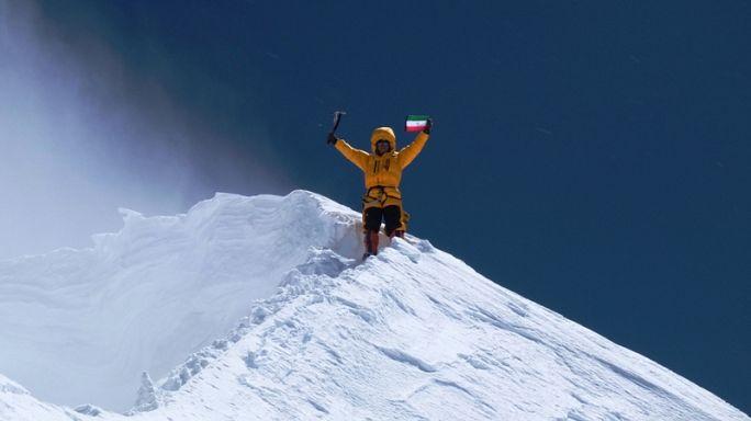 قیچیساز بر فراز قله لوتسه هیمالیا: زنده باد ایران