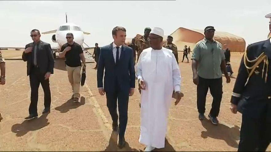 ماكرون يجدد التزام بلاده عسكريا في مالي ومنطقة الساحل