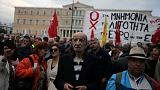 Yunanistan meclisi kemer sıkmaya yeniden 'evet' dedi halk gidişattan memnun değil