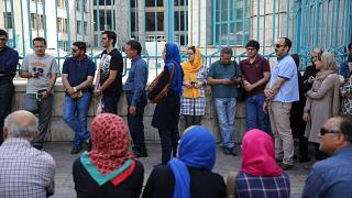 ایرانیان در پای صندوق های رای