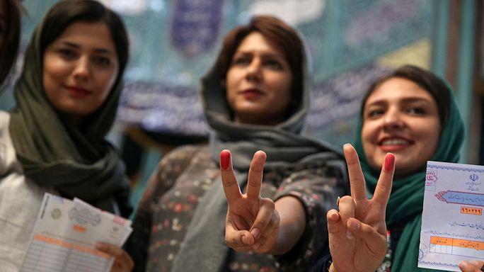 İran: Cumhurbaşkanlığı seçimine katılım oranı yüksek, oy verme süresi uzatıldı