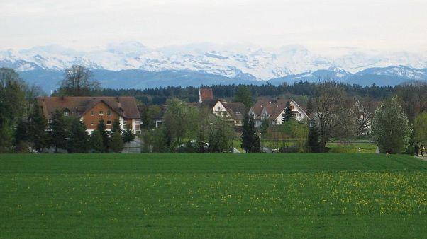 Schweiz: Vier Jungen bei Explosion verletzt