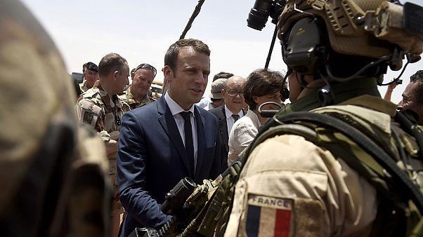 Maliba látogatott a francia elnök