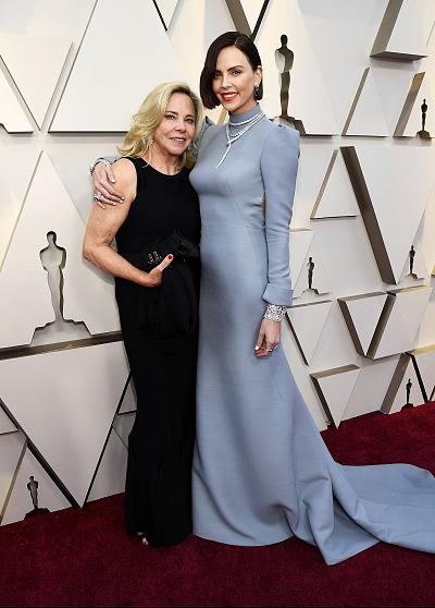 Charlize Theron brought her mother, Gerda Maritz, as her date to the Oscars.
