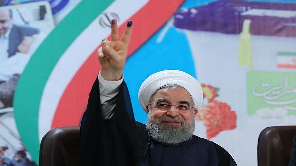 پوشش زنده: پیروزی روحانی با ۲۳ میلیون رای در برابر رئیسی با ۱۵ میلیون رای