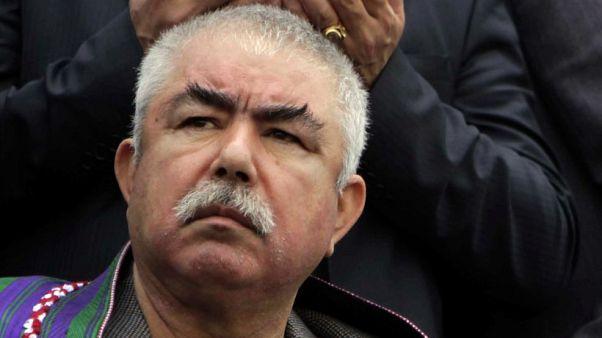 زعيم الحرب الأفغاني السابق عبد الرشيد دوستم يغادر أفغانستان إلى تركيا