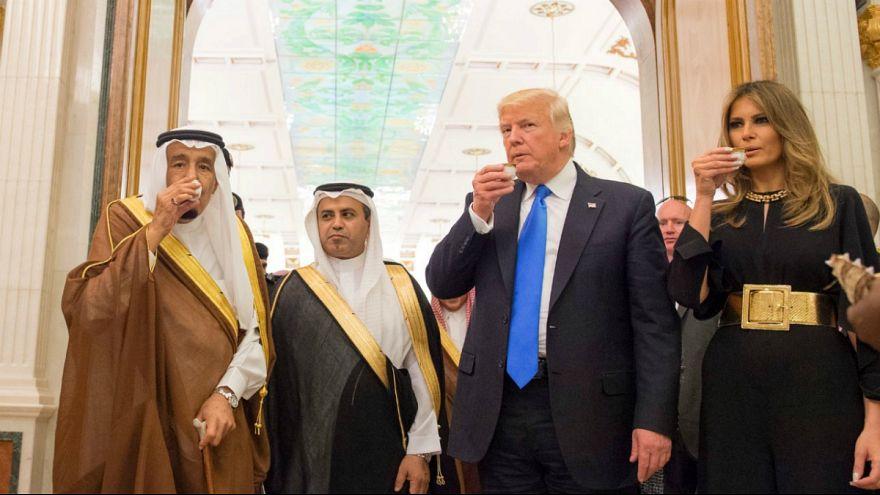 Trump consigue en Arabia Saudí 380.000 millones de dólares en contratos