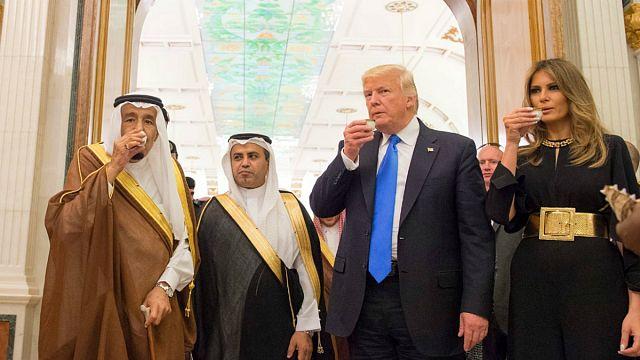 ABD ile Suudi Arabistan arasında 350 milyar dolarlık imzalar atıldı