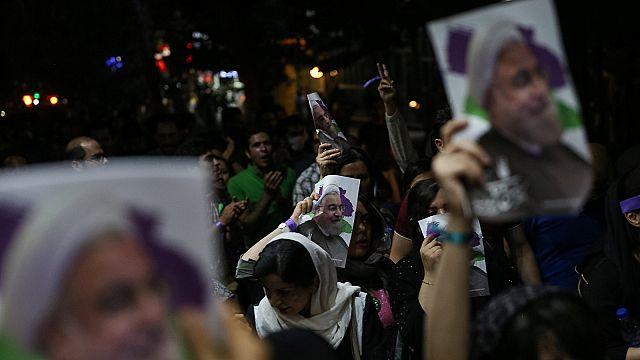 Irán celebra la victoria de Hasan Rohaní