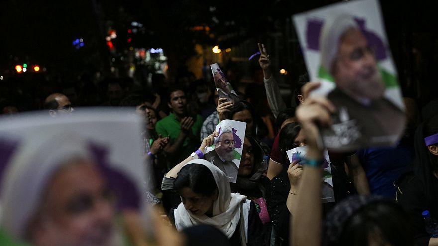 İran'da Ruhani destekçileri kutlamalar için sokaklara döküldü