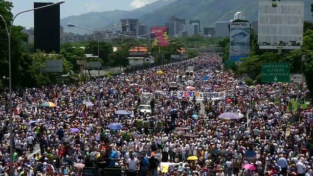 Venezuela'da gösteriler 50. gününü geride bıraktı