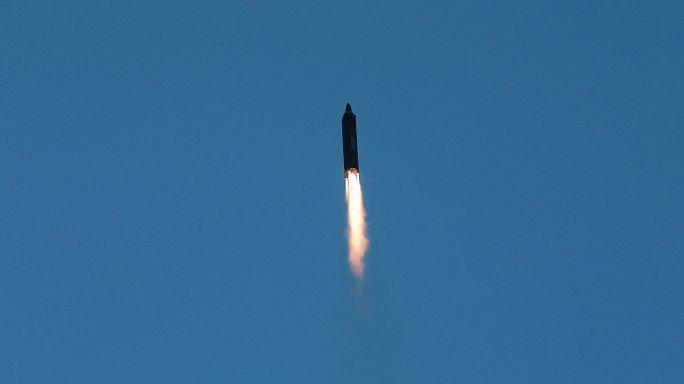 Coreia do Norte lança míssil de porte médio