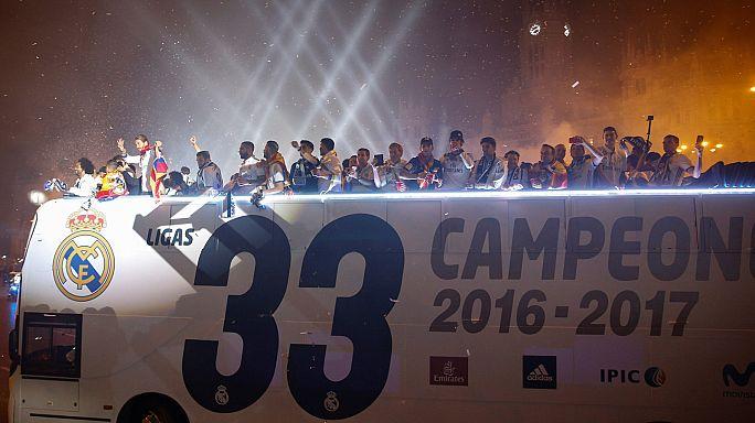 Real Madrid beş yıl aradan sonra gelen şampiyonluğu kutluyor