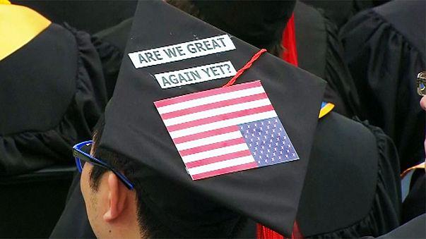 США: студенты бойкотировали выступление вице-президента