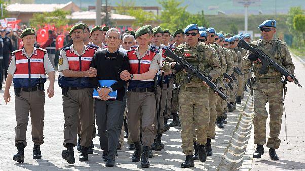 Τουρκία: Στο εδώλιο 200 κατηγορούμενοι για το πραξικόπημα