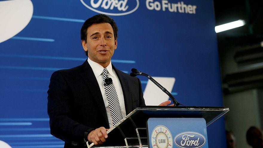Ford despide a su presidente, Mark Fields