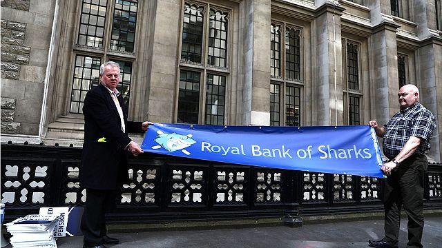 Рассмотрение иска акционеров к RBS отложено