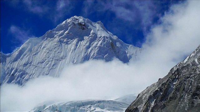 Everest: cuatro muertos en dos días