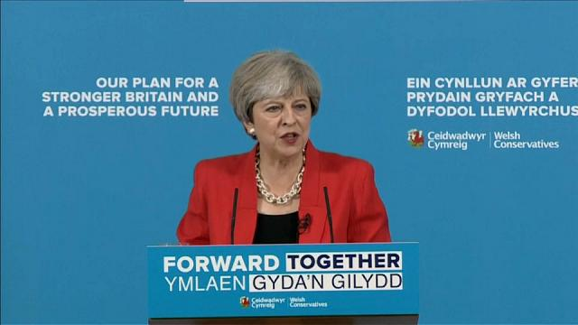 Plano Social de Theresa May sob críticas