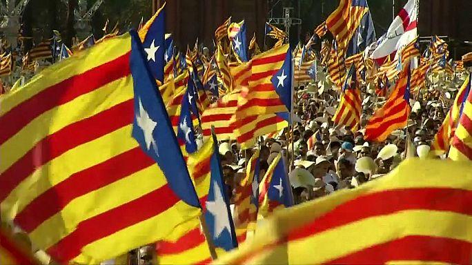 """Merkez ile yerel yönetimin """"Katalonya"""" tartışması hararetlendi"""