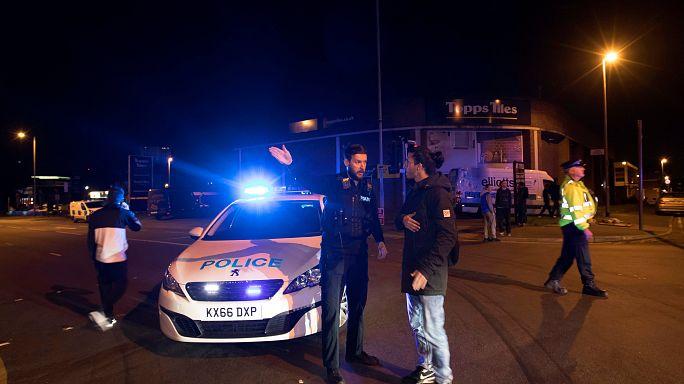شاهد: ذعر وخوف بعد انفجار مانشستر