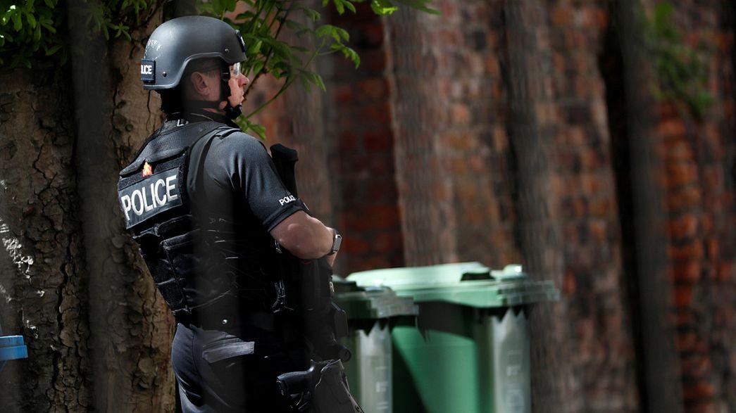 Regno Unito: l'Isis rivendica l'attentato di Manchester, il bilancio è di 22 morti e decine di feriti.