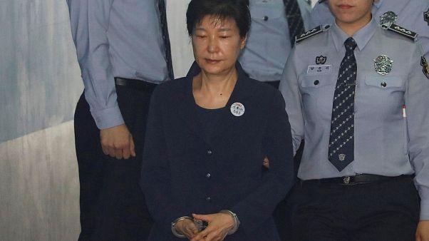 رئیس جمهوری پیشین کره جنوبی در دادگاه حاضر شد
