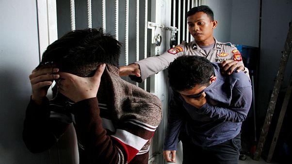 اولین مجازات همجنسگرایان در اندونزی