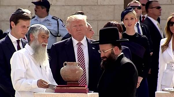 Trump visits Western Wall