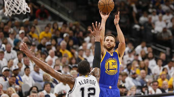 Warriors thrash Spurs in series whitewash to advance to NBA finals