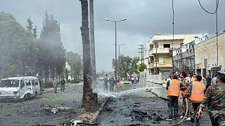 Autóbomba robbant Homszban