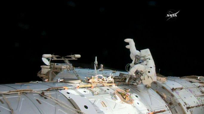 Reparaciones en la Estacion Espacial Internacional