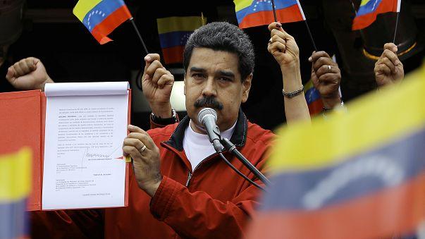 Мадуро активизировал процесс по изменению Конституции
