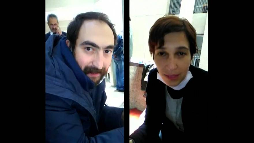 Polícia turca detém casal de professores em greve de fome