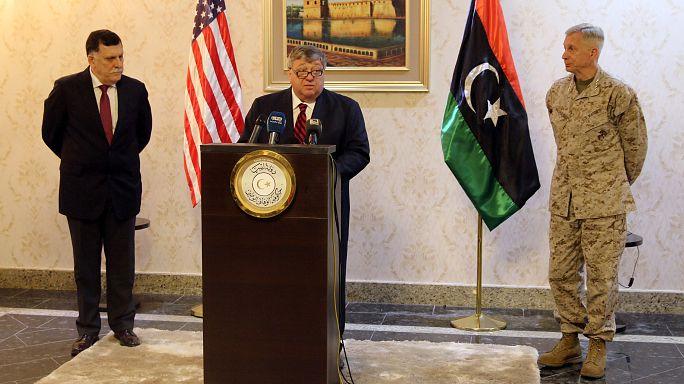 أول زيارة للسفير الأمريكي لدى ليبيا إلى طرابلس منذ 2014