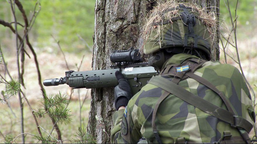 """Fegyverkező Svédország: """"valami mindenképpen történni fog"""""""