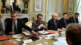 France extends emergency powers