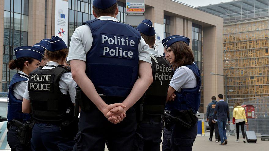 Com forte segurança, população de Bruxelas aguarda Trump