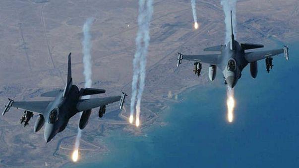 مقتل حوالي 16 مدنياً في غارة للتحالف الدولي قرب مدينة الرقة السورية