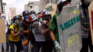 Venezuela clashes: prosecutor accuses security officials of 'excessive force'