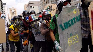 Túlzott erő a tüntetők ellen Venezuelában