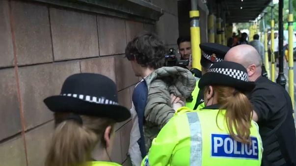 Manchester'da terör operasyonu sürüyor